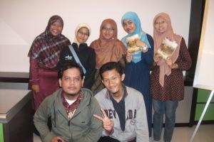 bersama Inayah, Ika, wina, Aulia, Asril dan Novan