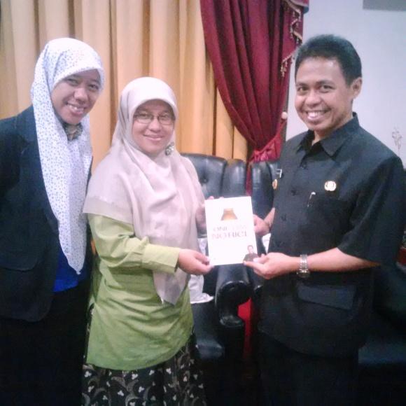 Nurbaiti, Sinta, Pak Nur Mahmudi Ismail