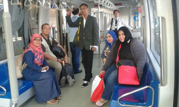 Skay train Taiwan bersama Sinta Yudisia, Rizaldi, Beli Nyoman, Nunik, Sinta Rani