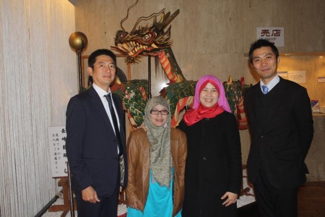 Kakak beradik Kobayashi, Sinta, Indira. Pak Kobayashi pemilik Inasayama Kankoh hotel. www.inasayama.co.jp