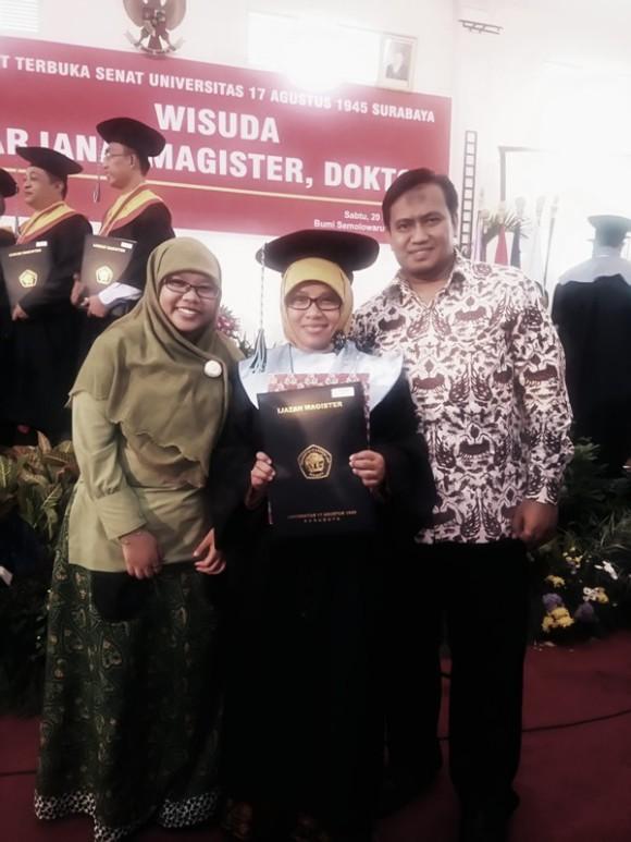 Sinta & Sofyan Wisuda MAgister_2