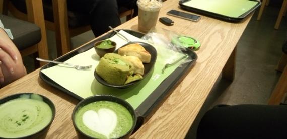 Osulloc tea and cake