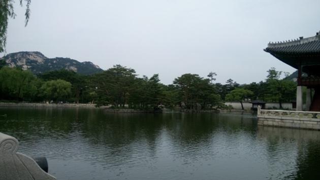 Taman dan danau tempat Raja istirahat