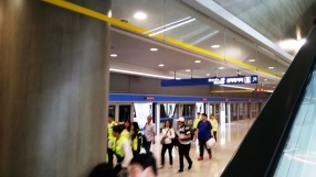 Subway dari arah pesawat mendarat