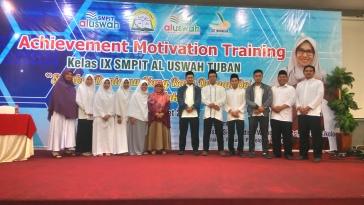 Guru SMPIT Al Uswah Tuban