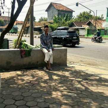 Pak Tua di masjid Tulis Batang